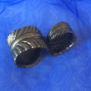 Jewelry - LAST CALL! Bronze feather double finger ring
